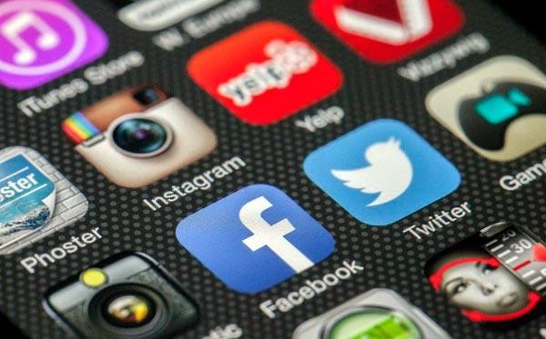 contratar expertos en redes sociales