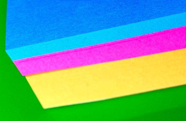 papel adhesivo