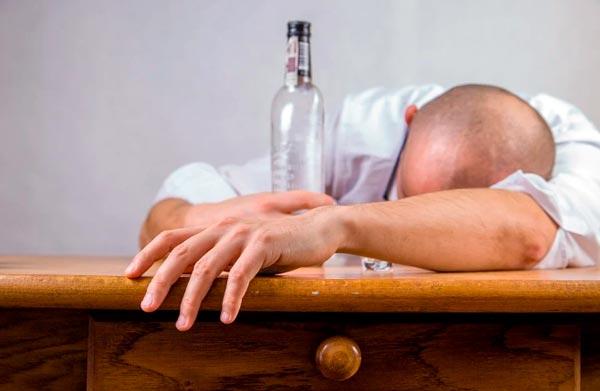 problema de alcoholismo